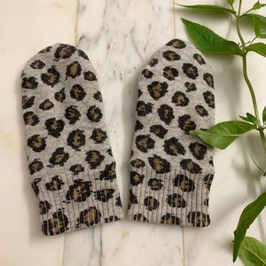 Gorgeous wool leopard print J. crew gloves - kids